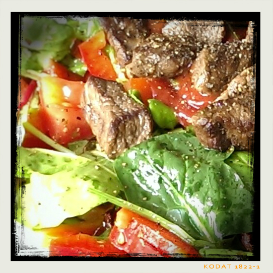 150707 salat mit rindersteak-streifen