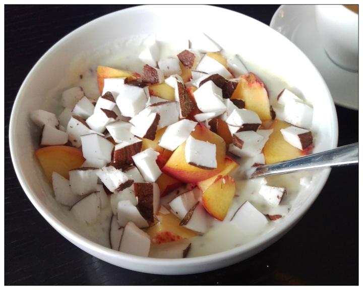 150921 joghurt m pfirsich und kokos