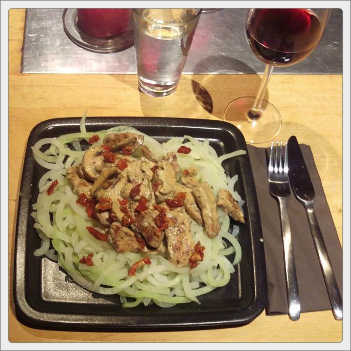 151010 kohlrabi-spaghetti mit geschnetzeltem
