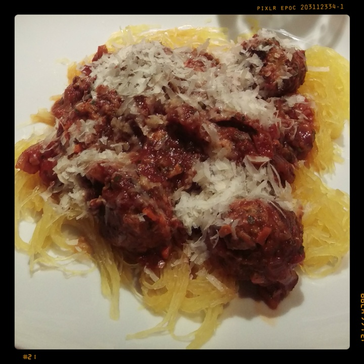 151218 spaghetti-kürbis mit veganen hack-bällchen