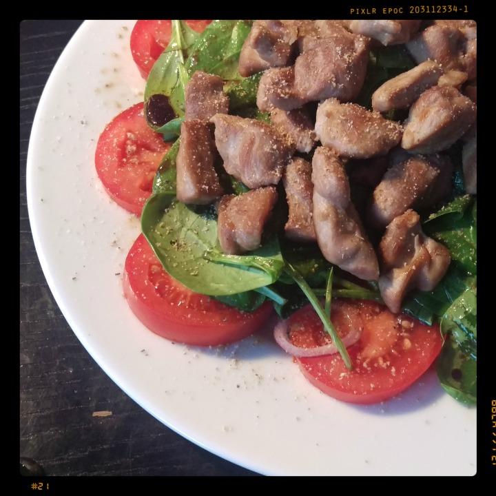 160105 tomaten-spinat-salat m pute