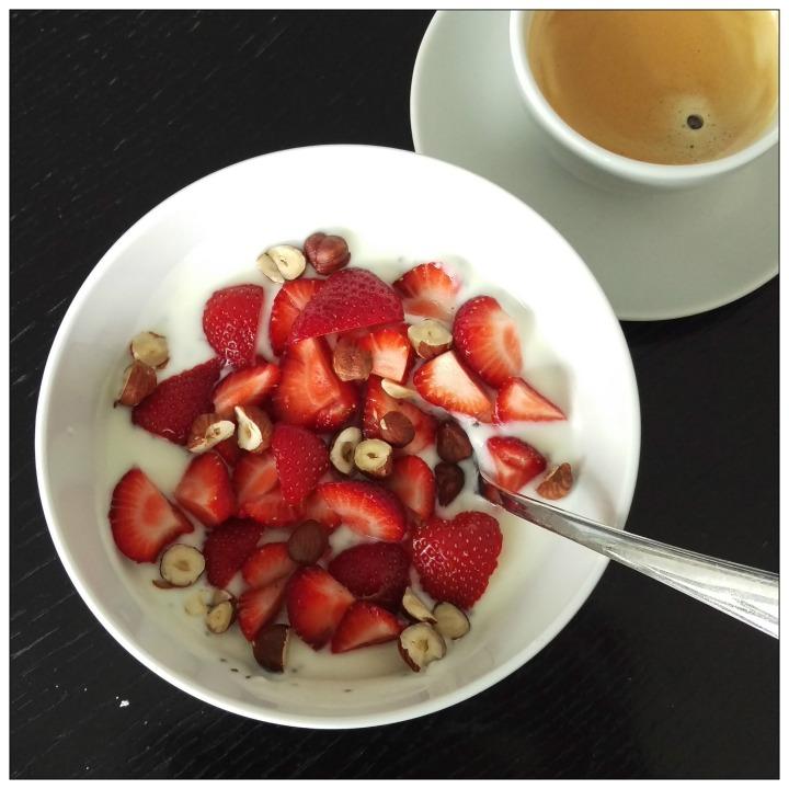 160617 joghurt m erdbeeren