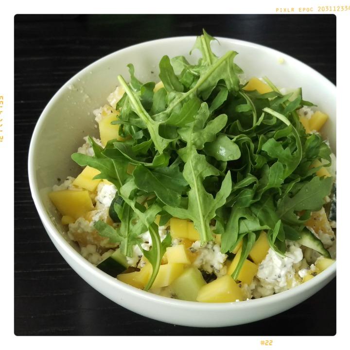 160707 hüttenkäse mango gurke rucola