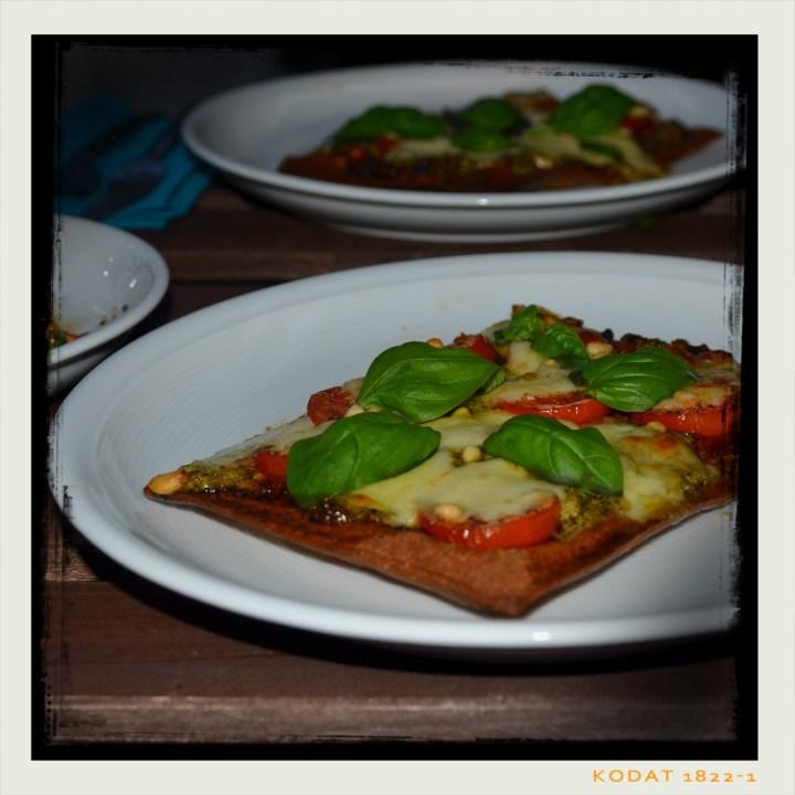 160811 lizza m tomaten u pesto