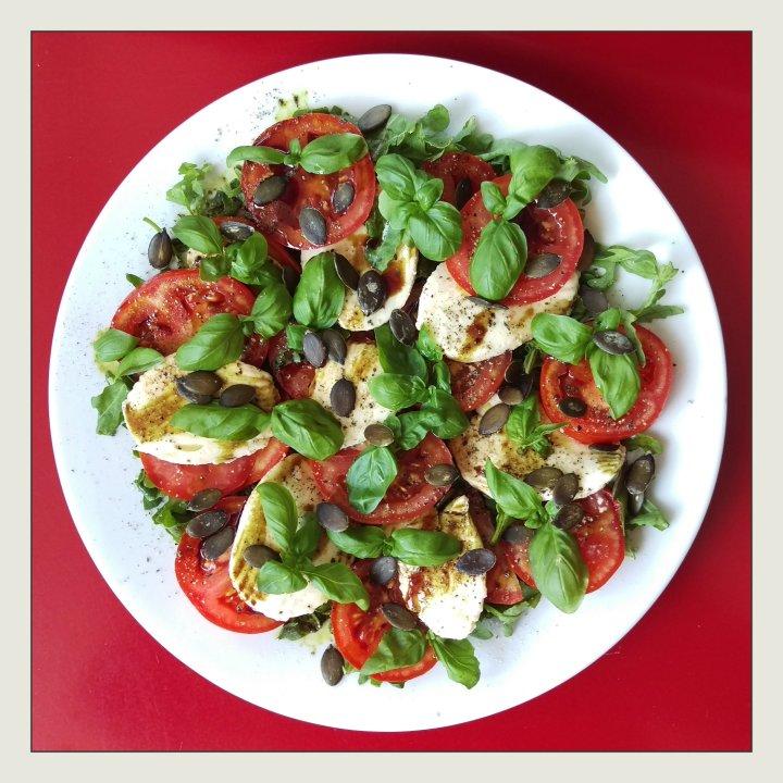 160913 salat mit tomate u mozzarella