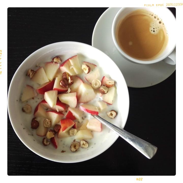 161004-zitronenjoghurt-m-apfel-u-nuessen