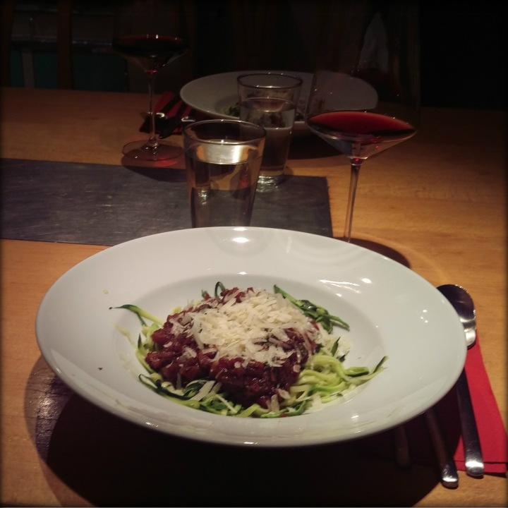 161116-zucchinispaghetti-tomatenasauce