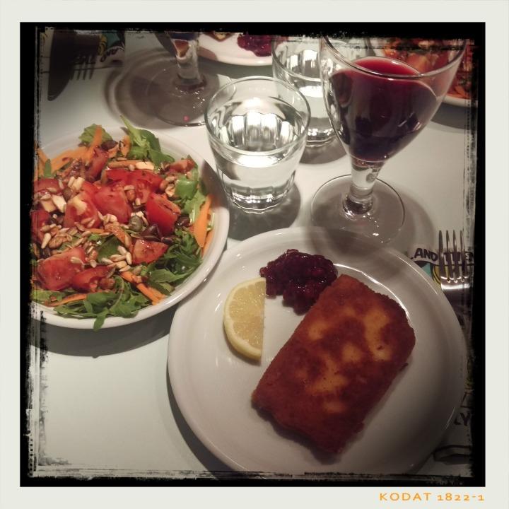 161122-saganaki-preiselbeeren-salat