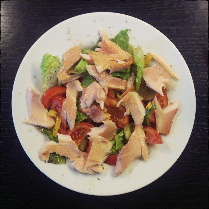 161213-salat-m-forellenfilet